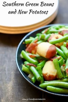 Southern Green Beans and New Potatoes is a delicious, healthy, quick and easy, vegetable side dish recipe with fresh, flavorful green beans and new potatoes. via @gritspinecones/