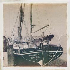 Thames barge boat at Maldon, Essex Sailing Yachts, Sailing Ships, Barge Boat, Nautical Painting, Classic Sailing, Sail Boats, Old London, Wooden Boats, Summer Days