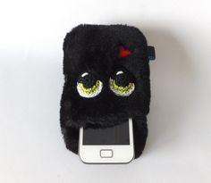 Handyhülle kleines Monster schwarz von Sofeinsein auf DaWanda.com