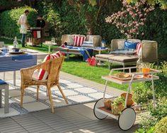 Grill-, Lounge- und Essbereich im Garten definieren