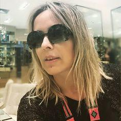 Tenho loucura por óculos. Adorei o novo modelo da #miumiu para a @graciosafortaleza no @iguatemifortaleza. #estiloiguatemi #andreafialho #estiloandreafialho