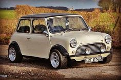 Mini Cooper S, Rover Mini Cooper, Mini Cooper Classic, Classic Mini, Classic Cars, Audi, Bmw, Fiat 500, Mini Cafe
