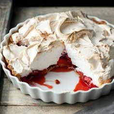 Składniki: 350 ml śmietany 250 g serka mascarpone Strawberry Meringue, Strawberry Cake Recipes, Baking Recipes, Dessert Recipes, Bar Recipes, Dessert Ideas, Delicious Desserts, Yummy Food, Sweet Tarts