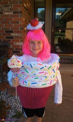 DIY Cupcake Costume - 2016 Halloween Costume Contest