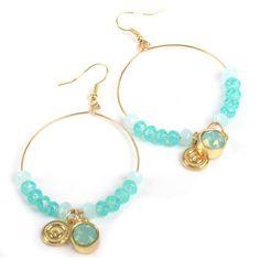 JWLZ oorbellen voorzien van kralen en een steentje. Word geleverd als set.    http://www.lookinggoodtoday.com/sieraden/oorbellen