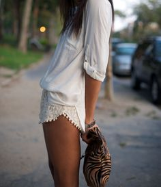 lace shorts + slouchy top + print bag