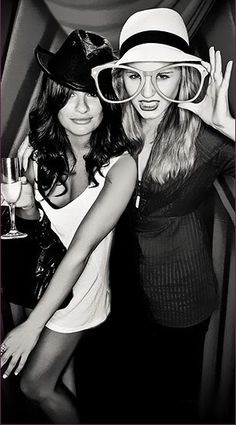 #DiannaAgron #LeaMichele #Glee http://laminate5.com/