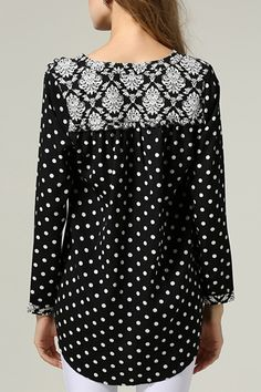 Adorable B/W Polka Dots Chiffon Blouse Full Figure Fashion, Couture Tops, Only Fashion, Blouse Vintage, Matching Outfits, European Fashion, Modest Fashion, Chic Outfits, Dress To Impress