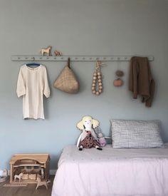 @kindisch sur Instagram : « Endlich Frühling... und eine selbstgebaute Garderobe dürfte ins Kinderzimmer einziehen. Euch Lieben einen schönen Tag »