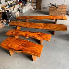 For Sale on - Extra Large Californian live edge bench in solid wood. Unique Wood Furniture, Cedar Furniture, Rustic Log Furniture, Rustic Wood Bench, Wood Benches, Porch Furniture, Furniture Ideas, Wood Shop Projects, Woodworking Projects Diy