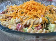 Nejlepší recepty na těstovinové saláty | NejRecept.cz Cheddar, Pasta Salad, Cauliflower, Nom Nom, Cabbage, Food And Drink, Vegetables, Ethnic Recipes, Okra