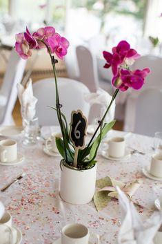 Simple orchid centerpieces