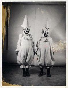 Clown Twins/Twin Clowns