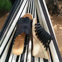 Celebrating National Hammock Day by kicking off my #bearpaw #flora and relaxing under the live oak @heywoodhotel  #bearpawstyle #bearpaweurope #bearpawlatam #bearpawmongolia #happy #nationalhammockday #summer #fun #shoes #sandals