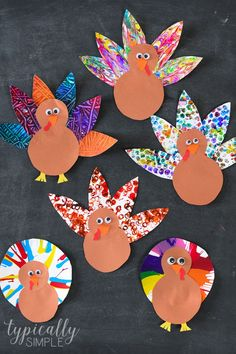 These five turkey crafts are so fun to make using some paint and a few items you can probably find around the house. Each painting technique creates a unique and colorful turkey craft project that you can make with the kids for Thanksgiving! #thanksgivingcrafts #turkeycrafts #craftsforkids