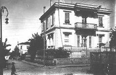 (63) Natali AVAZYAN (@NataliAVAZYAN)   Twitter  İSTİKLAL CAD.OSMANİYE CAD.KESİŞME NOKTASINDAKİ TUKSALLARIN EVİ  SAMSUN  #Samsun #Karadeniz #Blacksea #Turkey #Home #Oldhome #Turkie Black Sea, Old Houses, Street View, Twitter, City, Old Homes, Cities, Old Mansions