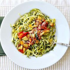 This light and tasty dinner features zucchini noodles with sauteed vegetables. Fresh, organic vegetables and a little Asiago cheese are all you need! Veggie Recipes, Real Food Recipes, Cooking Recipes, Healthy Recipes, Cooking Ideas, Veggie Noodles, Zucchini Noodles, Plats Healthy, Spiralizer Recipes