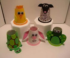 Encourage children in making fun zoo crafts for kids with styrofoam balls, googly eyes, cardstock, paint, pom pom etc. Explore fun and easy-to-make craft ideas here.