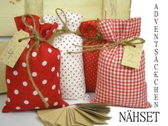 Weihnachtsstoffe - Stoffpaket Adventskalender DIY Säckchen Nähen - ein Designerstück von creartica bei DaWanda