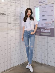 Do You Have Time Tee - I know you wanna kiss me. Thank you for visiting CHUU. Korean Girl Fashion, Korean Fashion Trends, Korean Street Fashion, Asian Fashion, Ulzzang Fashion Summer, Korean Casual Outfits, Kpop Outfits, Cute Outfits, Fashion Outfits