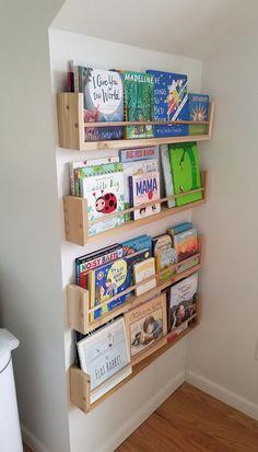 Baby Room Design, Baby Room Decor, Playroom Design, Bookshelves For Small Spaces, Nursery Bookshelf, Kids Wall Bookshelf, Toddler Playroom, Kids Room Organization, Bookshelf Organization