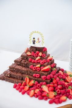 Brownie Tower Wedding Cake with Berry Fruit Decor | Chaucer Barn Norfolk | Rustic Marquee Wedding | Katherine Ashdown Photography | http://www.rockmywedding.co.uk/louise-bradley/