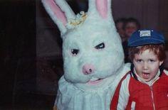 19 Vintage Easter Bunny Photos That Will Make Your Skin Crawl – Hase Vintage Bizarre, Creepy Vintage, Creepy Clown, Scary, Creepy Stuff, Creepy Halloween, Halloween Costumes, Easter Bunny Pictures, Easter Bunny Costume