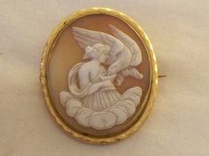 VICTORIAN LEDA & THE SWAN CARVED SHELL CAMEO BROOCH