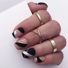 Winter Nails Designs - My Cool Nail Designs Creative Nail Designs, Cute Nail Designs, Creative Nails, Marble Nail Designs, Stripe Nail Designs, Acrylic Nail Designs, Square Nail Designs, Short Nail Designs, Black Nail Art