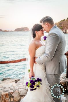 » Huatulco Oaxaca Wedding with Kelsey & Lane | Destination Wedding Photographers | M & J Photography