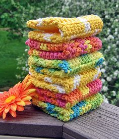 Just Make It: Handmade By Annabelle: 8 Steps to Beautiful Crochet Washcloths. Beautiful! Pattern here: http://handmadebyannabelle.blogspot.com/2010/04/crochet-pattern-not-your-grandmas.html   ☀CQ #crochet
