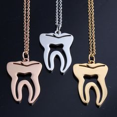 Length: About 45cm  Metals Type: Stainless Steel  Pendant Size: 30mm*16mm  Material: Metal  Chain Type: Link Chain