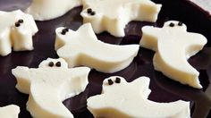 Treat your guests with this spooky gelatin dessert � perfect for Halloween.