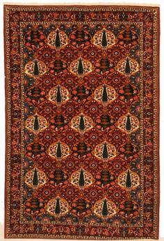 Bakhtyari Woven: Hand Knotted Size: 7′ x 10'5″