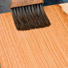Faux wood graining base coat applicationhttp://www.oldhouseonline.com/create-faux-wood-grain-finish/
