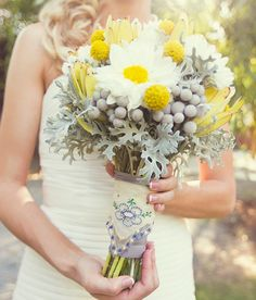 Tips & Ideas For Bridal Bouquet