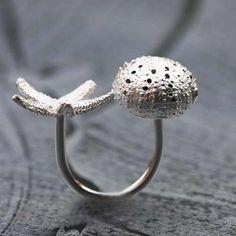Bague en argent étoile et oursin par Aline Kokinopoulos pour l'Atelier des Bijoux Créateurs, bijou de créateurs made in France.