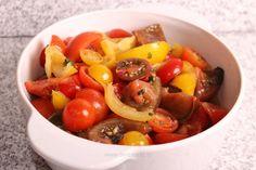 Salată de roşii cu busuioc şi usturoi