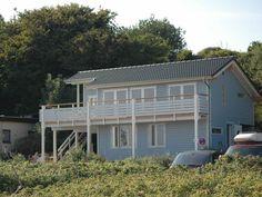 Ostseeferienhaus Venabu in Langholz: 2 Schlafzimmer, für bis zu 5 Personen. Strandhaus direkt am Meer mit Garten auf der Steilküste | FeWo-direkt