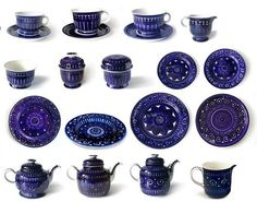 Valencia | Ulla Procopé | Arabia Pieces I don't yet have: *second from left lidded sugar bowl *far right platter *bottom right corner pitcher