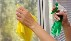 14 Clever Deep Cleaning Tips & Tricks Every Clean Freak Needs To Know Diy Glass Cleaner, Homemade Toilet Cleaner, Cleaners Homemade, Window Cleaner, Deep Cleaning Tips, House Cleaning Tips, Spring Cleaning, Cleaning Hacks, Cleaning Services