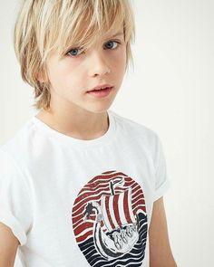 Luca hqir - - kinderhaarschnitt jungen - HoMe Boys Long Hairstyles Kids, Boy Haircuts Long, Toddler Boy Haircuts, Trendy Hairstyles, Long Hair For Boys, Little Boy Long Hair, Toddler Boy Long Hair, Little Boy Hairstyles, Modern Haircuts