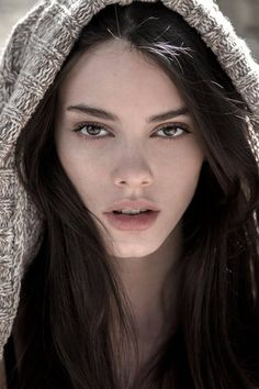 kardaan: Nataly Machado Photos of beautiful girls - on the beach, outdoors, in cars. Only real girls. Beautiful Eyes, Most Beautiful Women, Beautiful People, Gorgeous Makeup, Beautiful Gorgeous, Girl Face, Woman Face, Female Character Inspiration, Female Portrait