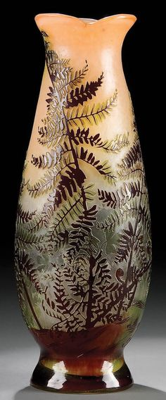 A GOOD GALLE FRENCH CAMEO GLASS VASE circa 1904,
