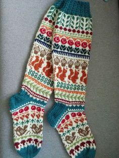 30 Ideas crochet socks pattern knee highs fair isles for 2019 Quick Crochet Patterns, Crochet Mittens Free Pattern, Skirt Pattern Free, Fair Isle Knitting Patterns, Wool Socks, Knitting Socks, Hand Knitting, Crochet Baby Cardigan, Knit Crochet