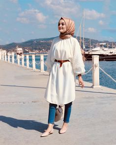 Discover trendy hijab Get inspired! Best Ways to Wear a Modest Fashion Hijab, Casual Hijab Outfit, Hijab Dress, Abaya Fashion, Muslim Fashion, Fashion Outfits, Abaya Style, Hijab Style, Hijab Chic