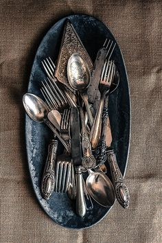All my cutlery would be reclaimed silverware Silver Cutlery, Vintage Cutlery, Silver Spoons, Flatware, Silver Plate, Vintage Silver, Antique Silver, Food Photography Props, Zinn