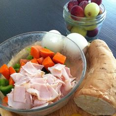 Starving by the time I had lunch (which was at like 2:30😱) but hard boiled eggs, turkey with steamed carrots and peppers, half a sweet tater☺️💪❤️ and some frozen grapes!