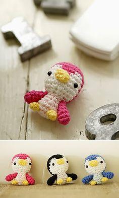 Free Crochet Pattern: Miniature Penguins  ❥Teresa Restegui http://www.pinterest.com/teretegui/❥