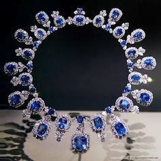 Harry Winston...would be the happiest girl in the world if I was wearing this!
